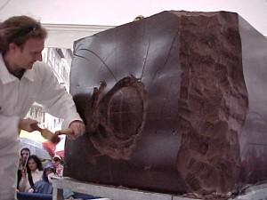 Scultore Paolo Moro. Mostra Eurocioccolate Perugia anno 2000 300x225