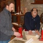 Scultore Paolo Moro. Corso di Scultura Legno. Paolo Moro a sx e Leonardo Tramontin 150x150