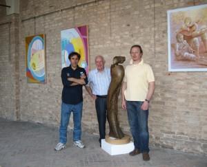 Scultore Paolo Moro. Mostra Chiostro San Francesco Tv con gli amici pittori Piergiorgio Gasparotto e Eros Cazzaro anno 2008 300x243